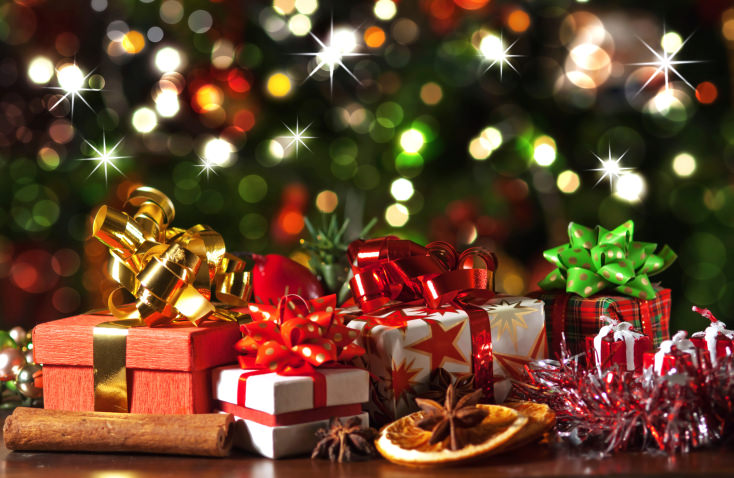 Fabulous The Tradition Of Giving Gifts At Christmas Easy Diy Christmas Decorations Tissureus