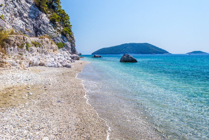 View of Hovolo Beach on the Greek island of Skopolos