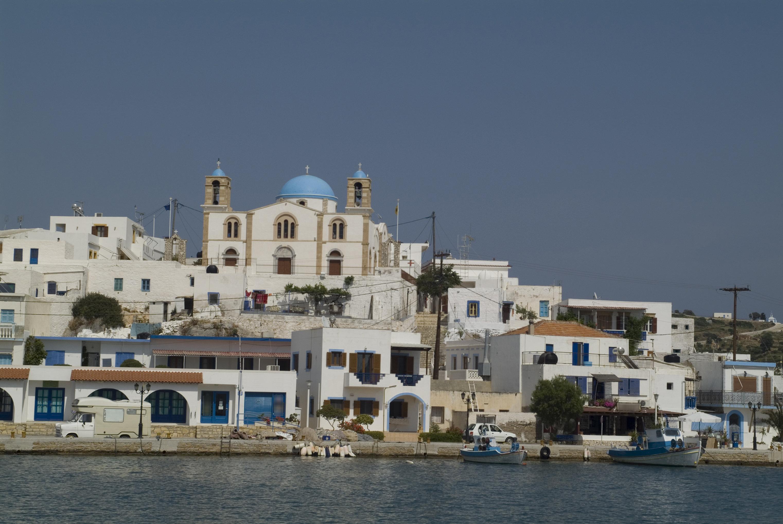 die grosse Kirche auf der Insel Lipsi in der Aegaeis