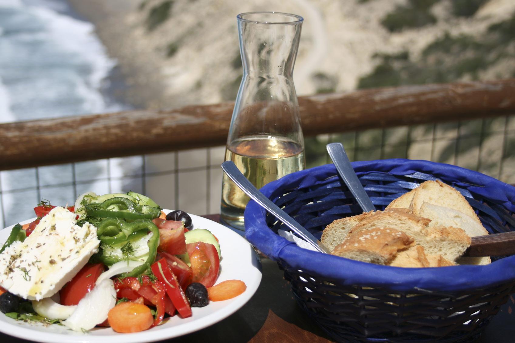 Cretan taverna meal