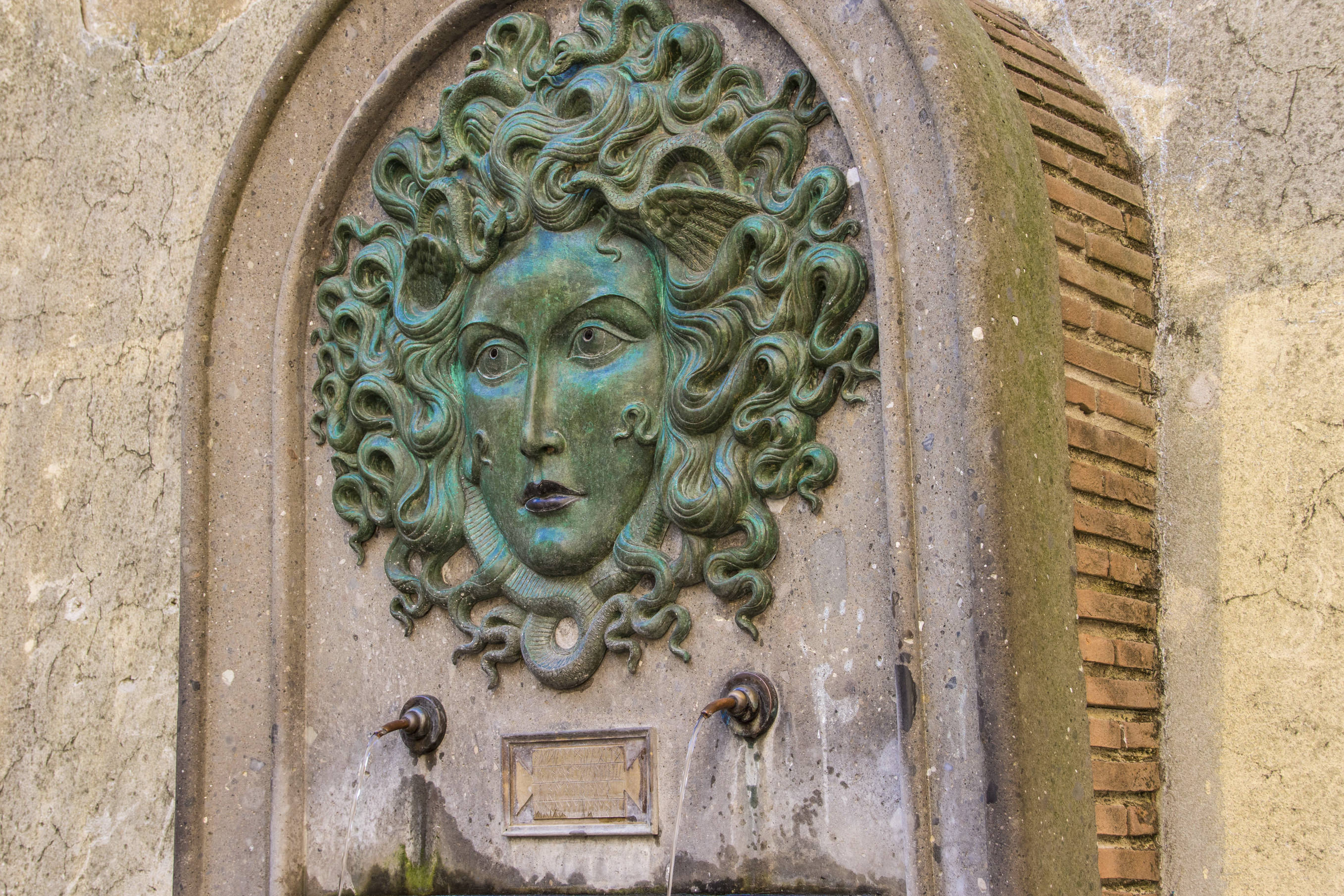 Fountain of Medusa in Nemi 2
