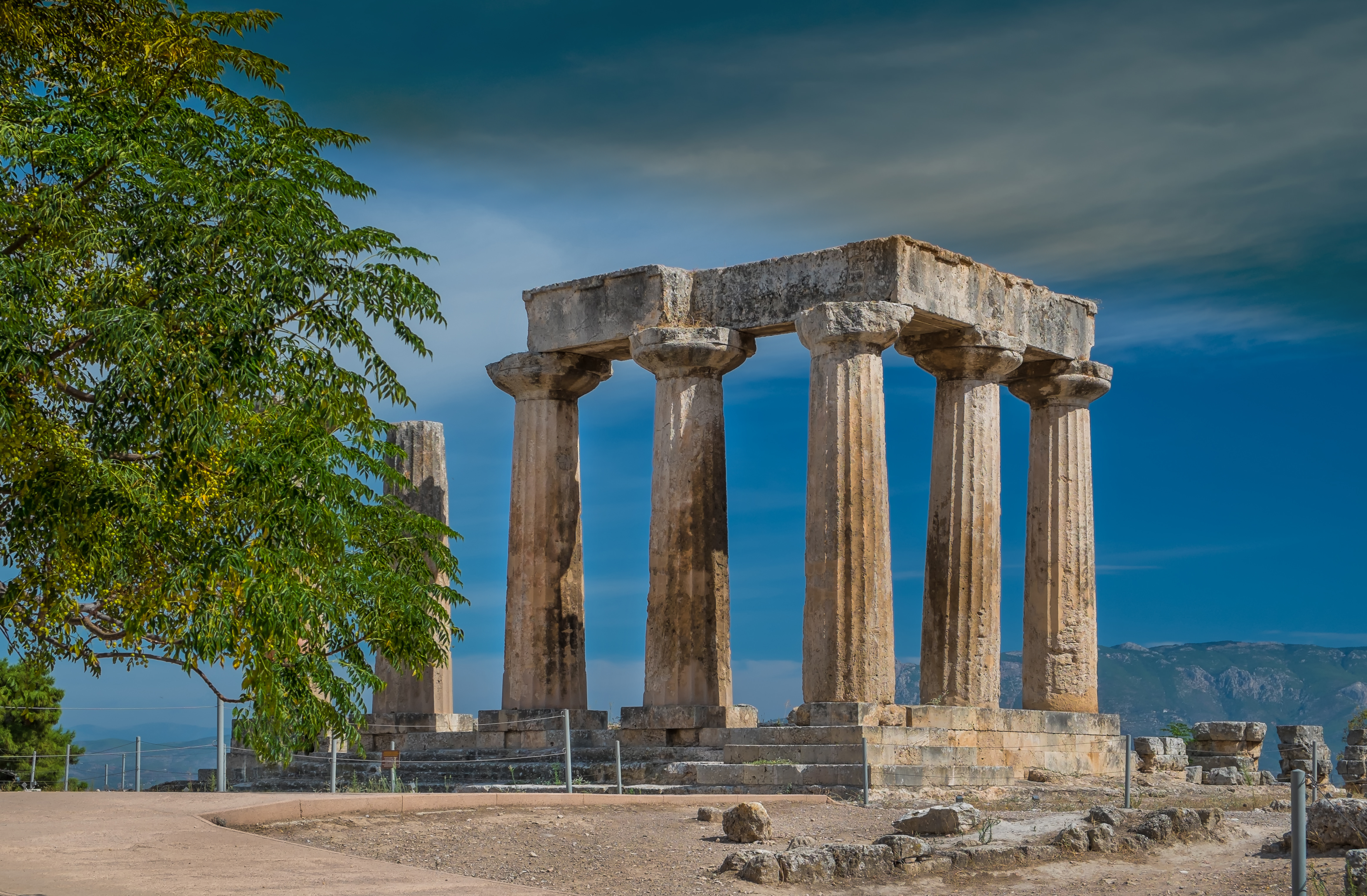 what to do in corinth greece