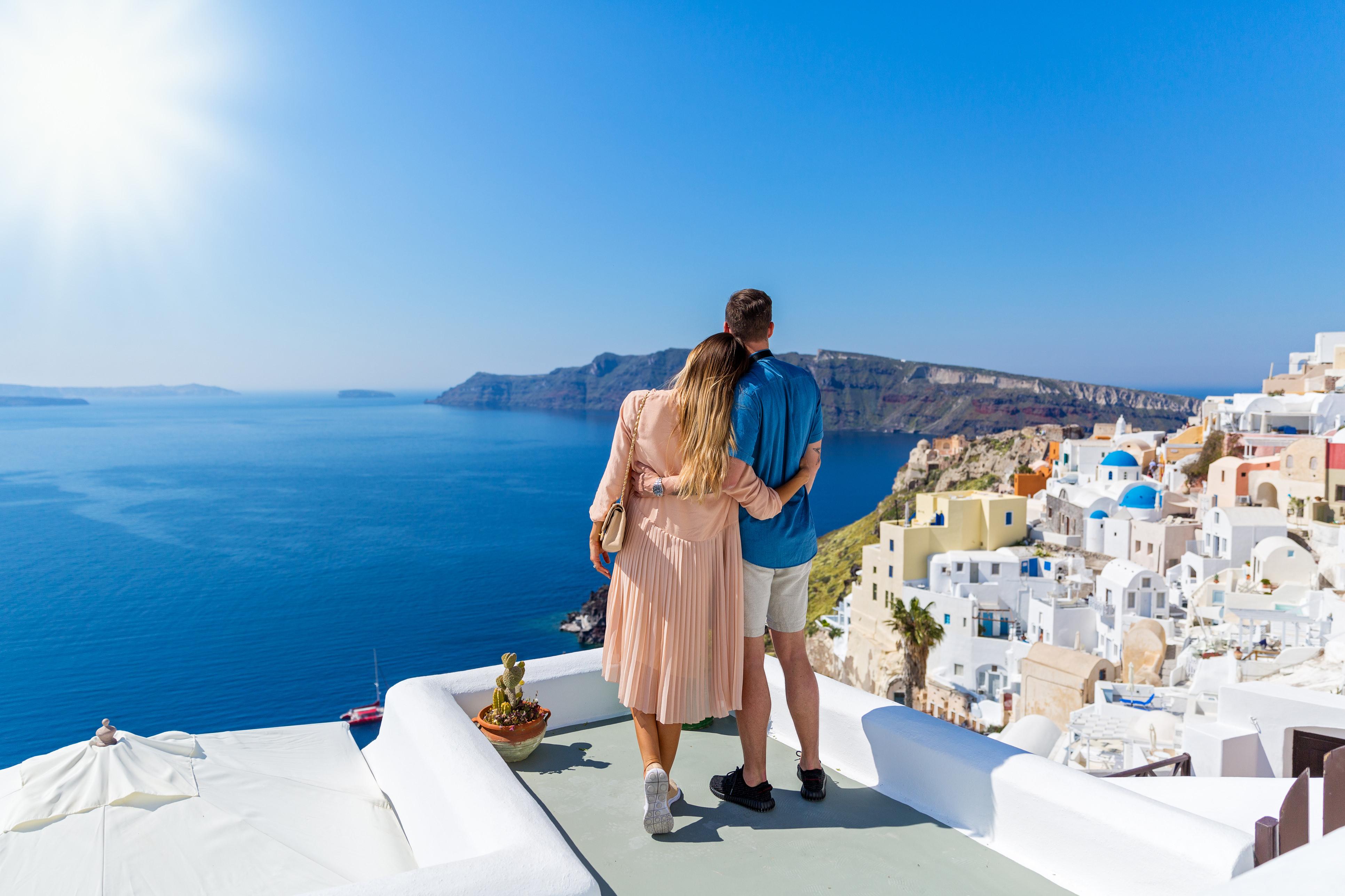 Where To Watch A Romantic Sunset On Santorini