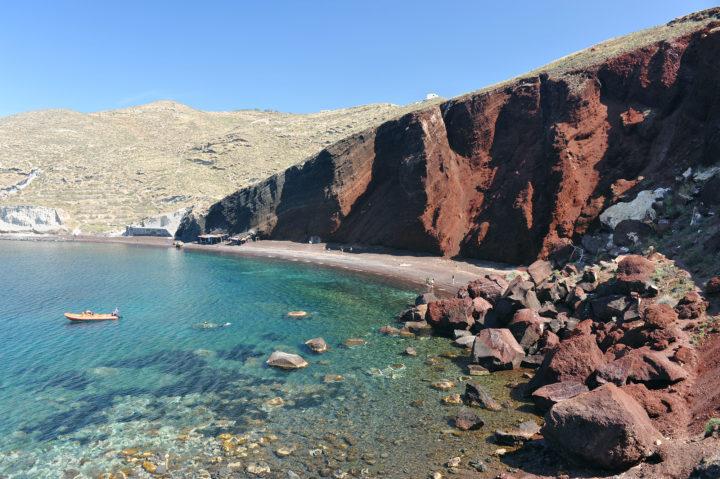 Lounge on These Family Friendly Beaches in Santorini